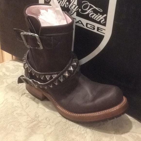 512b60993b9 Walk by Faith Exene biker brown boots Sz 7 NWT